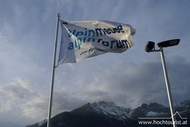 Innsbruck und die Hohe Warte im Hintergrund heißen die BesucherInnen willkommen.