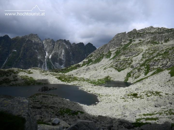 Bergsee Žabie plesá, im Hintergrund blickt mich der Satan an