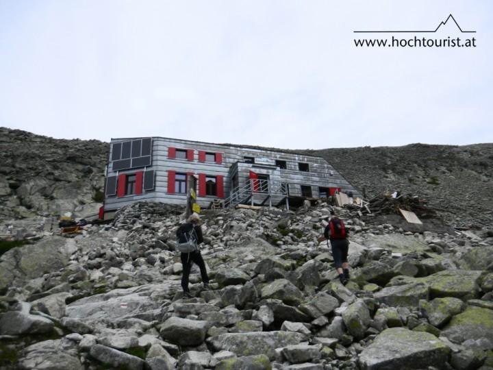 Die neu errichtete Schutzhütte Chata pod rysmi.
