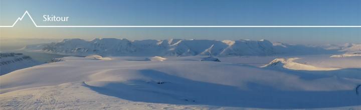 Skitour auf den Trollsteinen (849 m) auf Spitzbergen