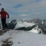 Am Gipfel des Kl. Königskogel. Im Hintergrund die Prolos.