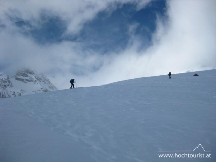 ....mit großen Schritten dem Gipfel entgegen.
