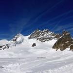 Am Jungfraujoch spuckt uns die Bahn aus..