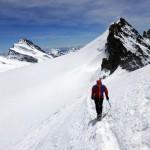 Zu Fuß zum Gipfel.